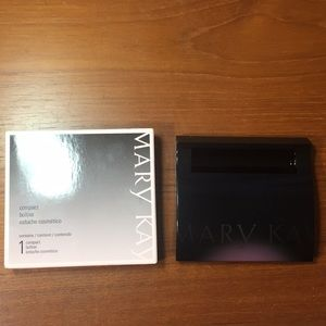 New Mary Kay Compact Carrier